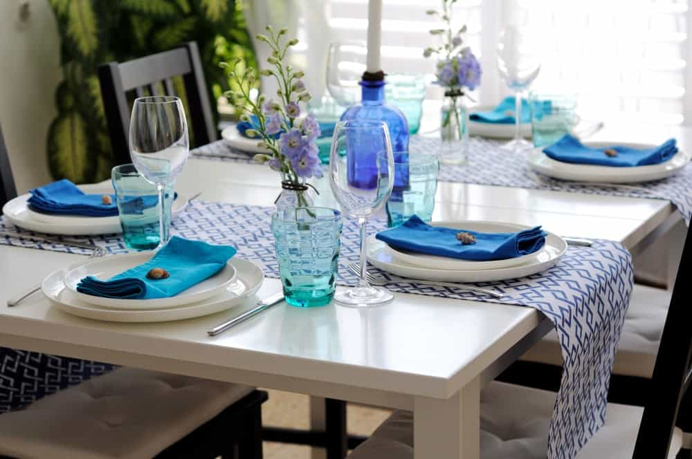 widthwise short table runners